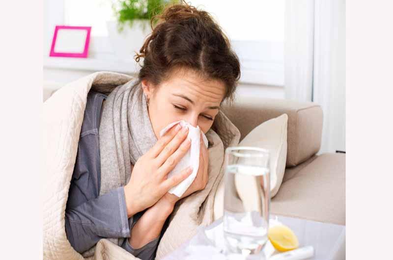 Acetaminophen + Chlorpheniramine + Dextromethorphan + Phenylephrine là thuốc giúp điều trị triệu chứng cảm lạnh thông thường