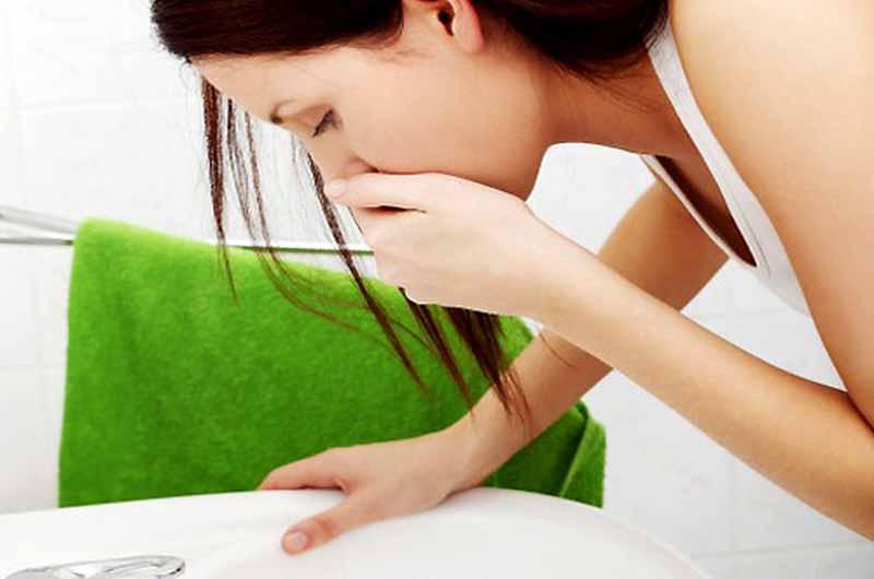 Buồn nôn, nôn mửa là tác dụng phụ của thuốc