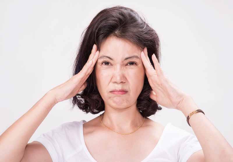 Chóng mặt là tác dụng phụ phổ biến khi dùng thuốc