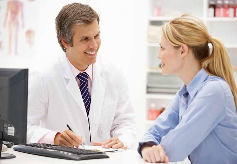 Tham khảo ý kiến bác sĩ để biết được tương tác của thuốc với thức ăn, rượu, thuốc lá