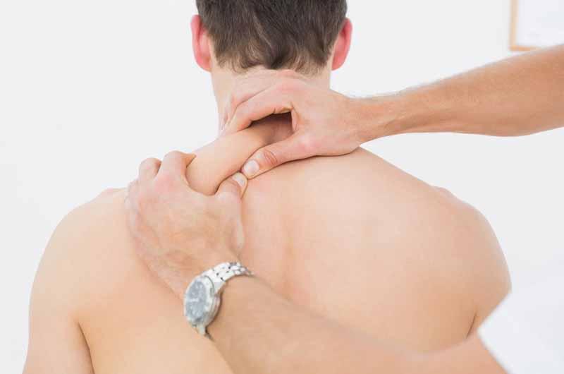 Xoa bóp hỗ trợ chữa đau vai gáy bằng diện chẩn