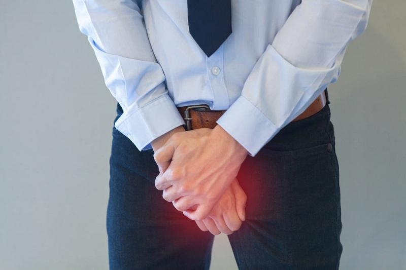 Các bệnh lý tại cơ quan sinh dục cũng là nguyên nhân tinh trùng yếu ở nam giới