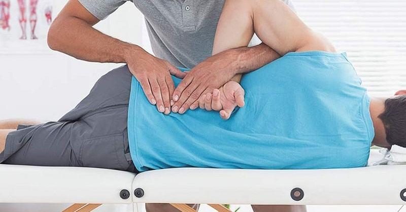 Cách chữa đau thần kinh tọa bằng nắn chỉnh cột sống giúp cột sống liên kết tốt hơn