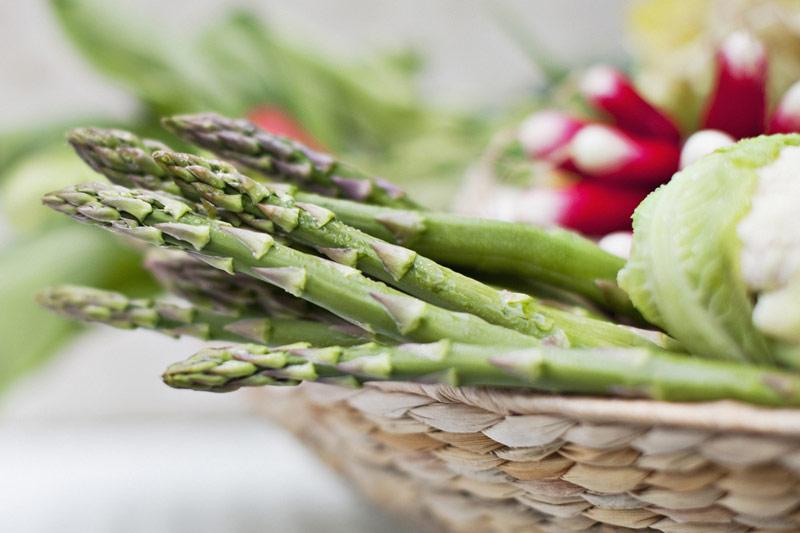 Măng tây cũng là một trong những thực phẩm chứa nhiều acid folic