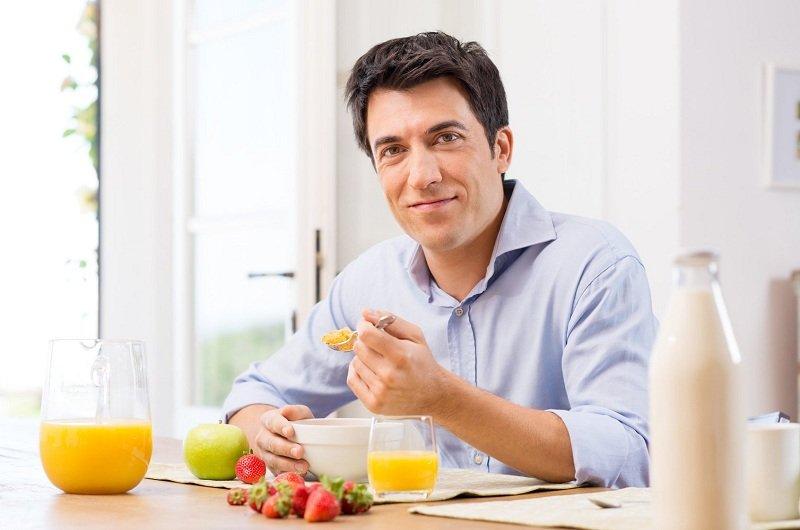 Nam giới cần có chế độ ăn uống kiêng khem khoa học khi đang điều trị bệnh