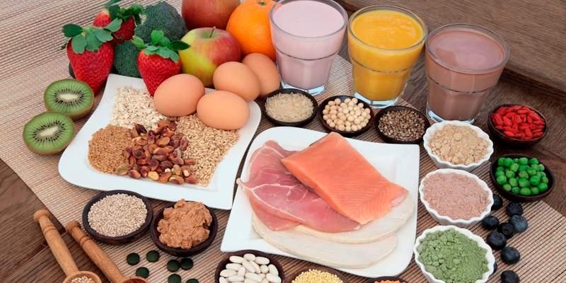 Nam giới nên bổ sung dưỡng chất đầy đủ trong bữa ăn hàng ngày