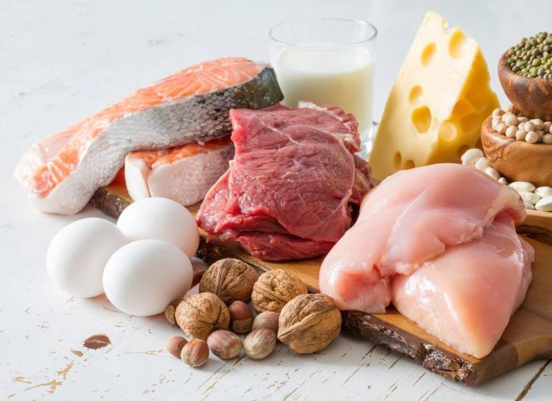 Tích cực ăn nhiều thực phẩm chứa protein để cơ thể mẹ thêm khỏe mạnh