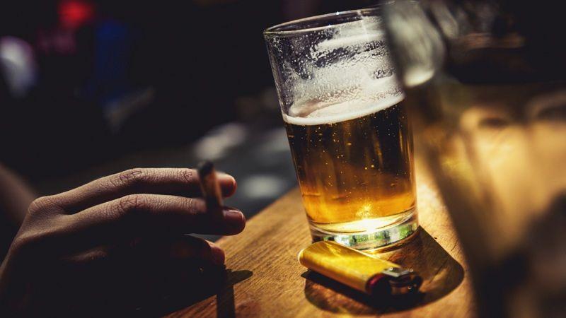 """Tránh xa rượu, bia, thuốc lá nếu không muốn bị bệnh yếu sinh lý """"ghé thăm"""""""