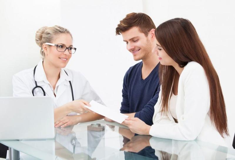 Việc cần làm khi chuẩn bị mang thai lần 3 là đi kiểm tra sức khỏe