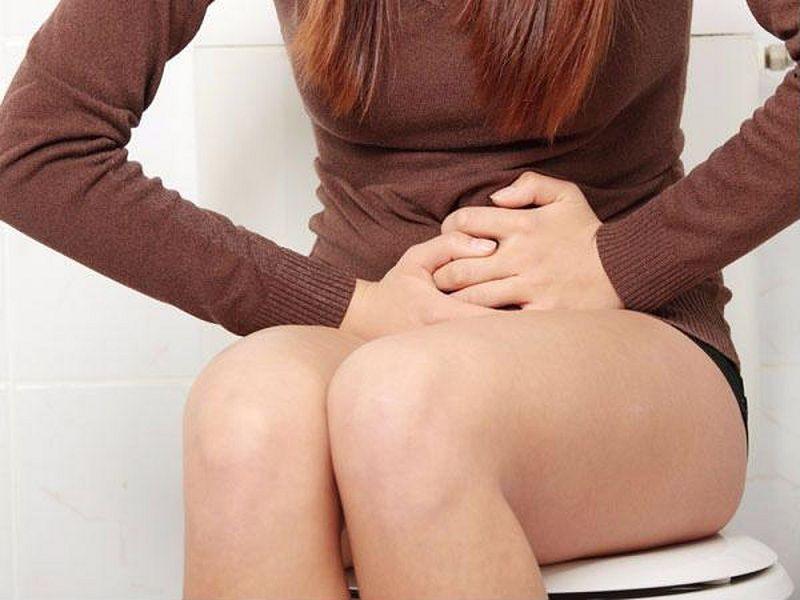 Viêm phần phụ khiến nữ giới tiểu tiện khó khăn hơn