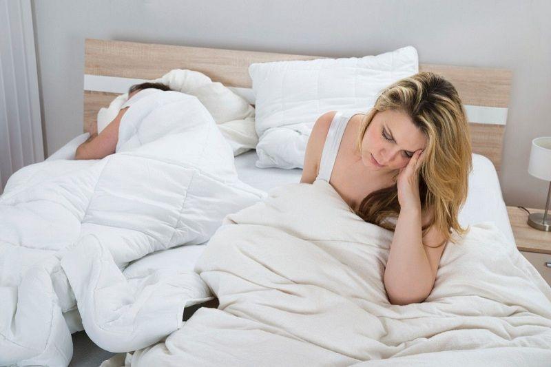 Viêm phần phụ gây cảm giác đau khi quan hệ ở nữ giới