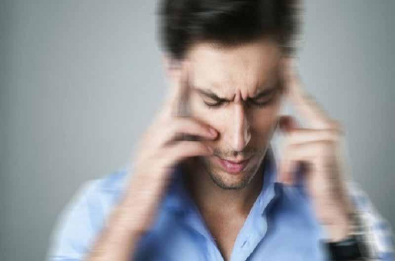 Chóng mặt, hoa mắt cũng là một triệu chứng của bệnh