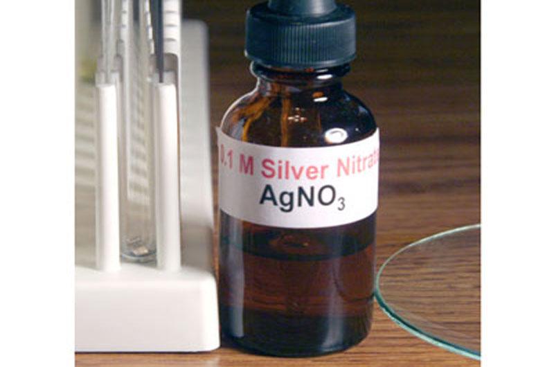 Bạc nitrat là thuốc điều trị các chứng bệnh ngoài da
