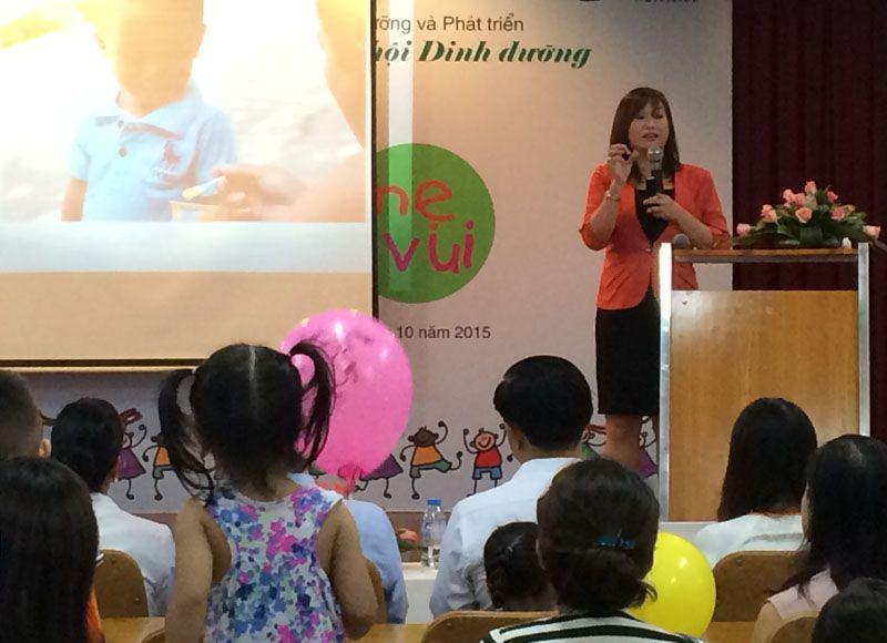 Bác sĩ Đào Thị Yến Phi chia sẻ kiến thức dinh dưỡng sức khỏe Nhi