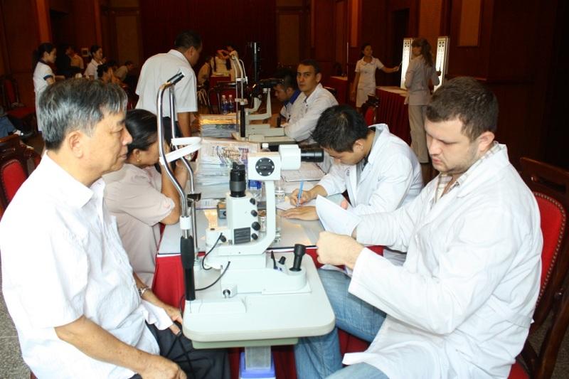 Bệnh viện Mắt Việt Nga khám tất cả các ngày trong tuần