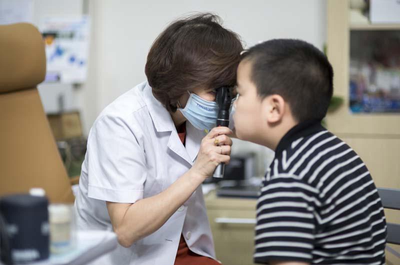 Bệnh viện Mắt Việt Nhật thực hiện khám tất cả các ngày trong tuần