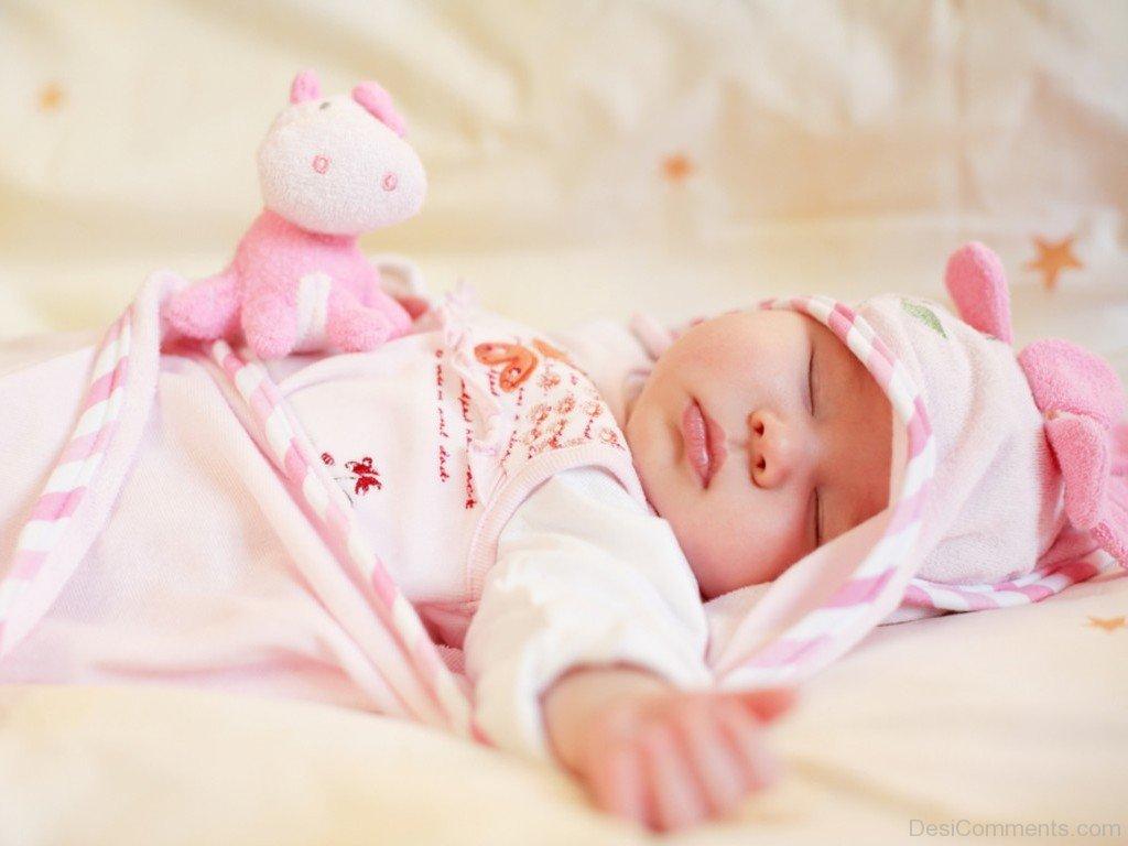 Cần đảm bảo bé không bị quá nóng hay quá lạnh vào mùa đông