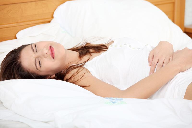 Chảy máu kèm đau bụng là dấu hiệu báo sảy thai;