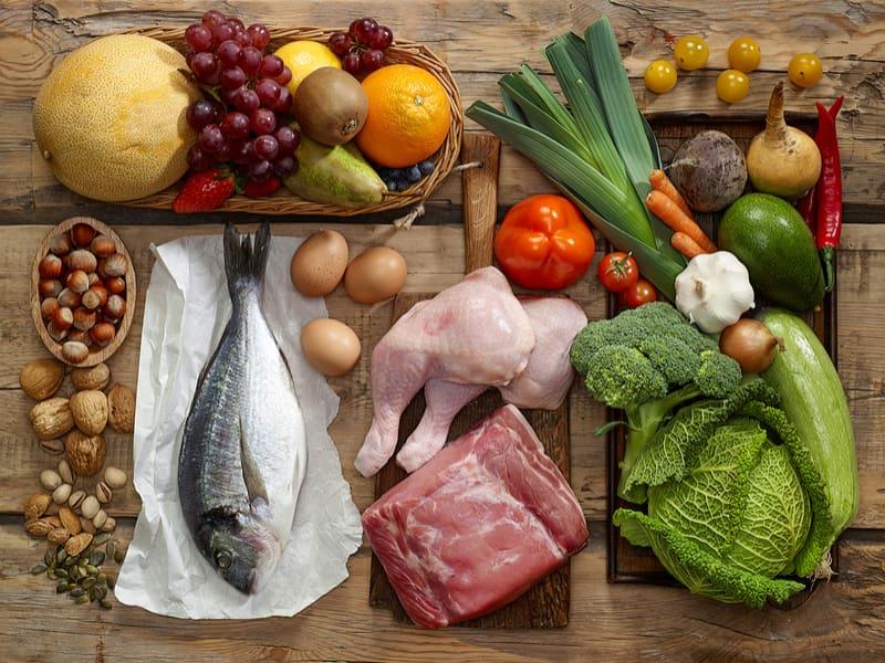 Chế độ dinh dưỡng đa dạng đầy đủ chất đạm, chất béo, chất xơ được khuyến cáo