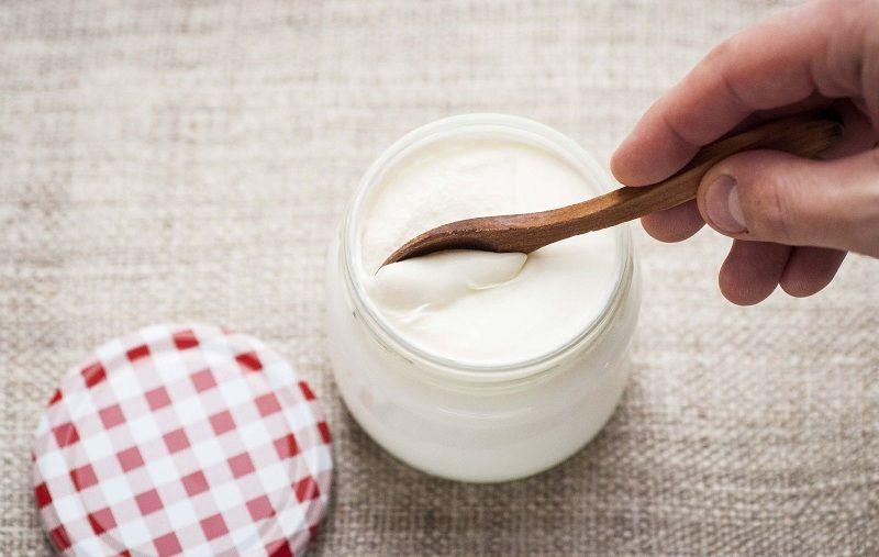 Chữa nấm âm đạo ở nhà hiệu quả với sữa chua không đường