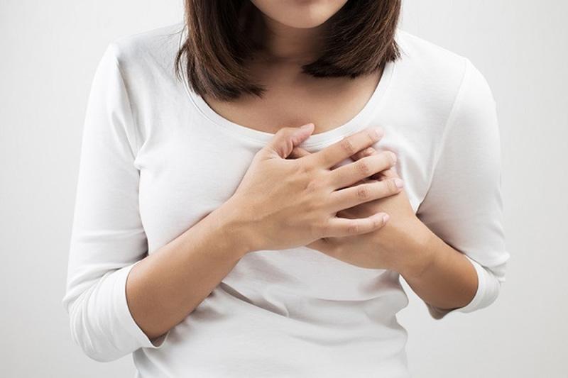 Đau tức ngực là dấu hiệu mang thai 4 tuần