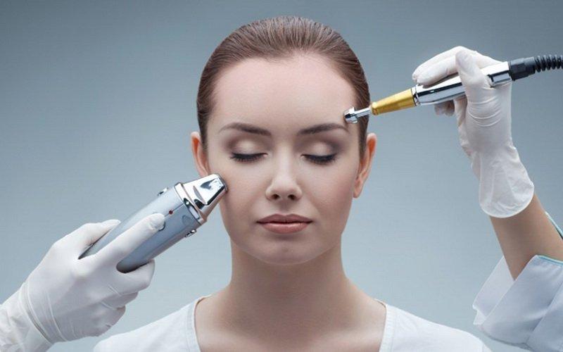 Đốt mụn cóc bằng laser là phương pháp y khoa được nhiều người áp dụng