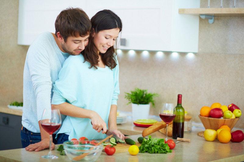 Khi chuẩn bị dinh dưỡng mang thai, bạn đừng quên rủ chồng cùng tham gia nhé