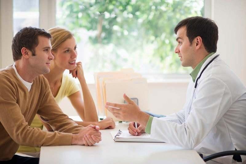 Không điều trị kết hợp với bạn tình cũng là nguyên nhân khiến nấm âm đạo hay tái phát