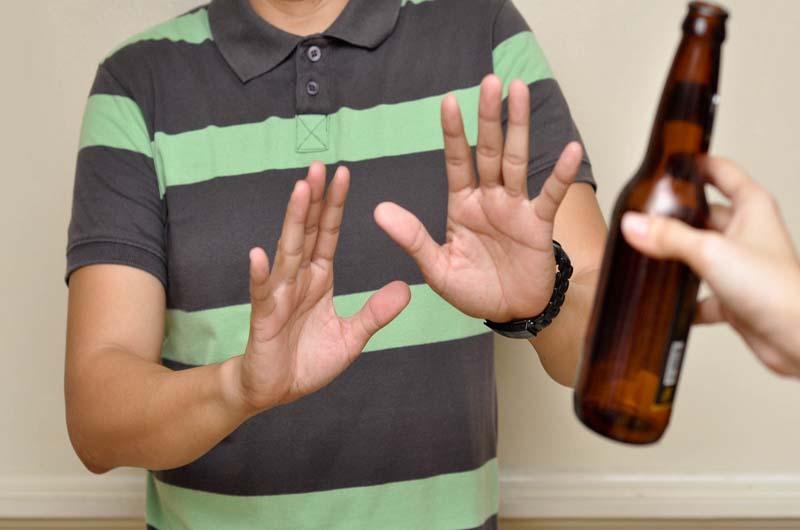 Không nên uống rượu trong thời gian dùng thuốc