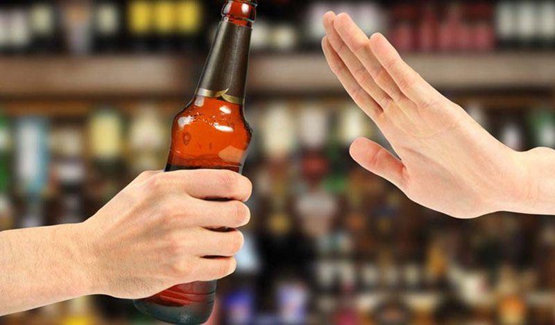 Không sử dụng đồ uống có cồn giúp kiểm soát triệu chứng gout hiệu quả hơn