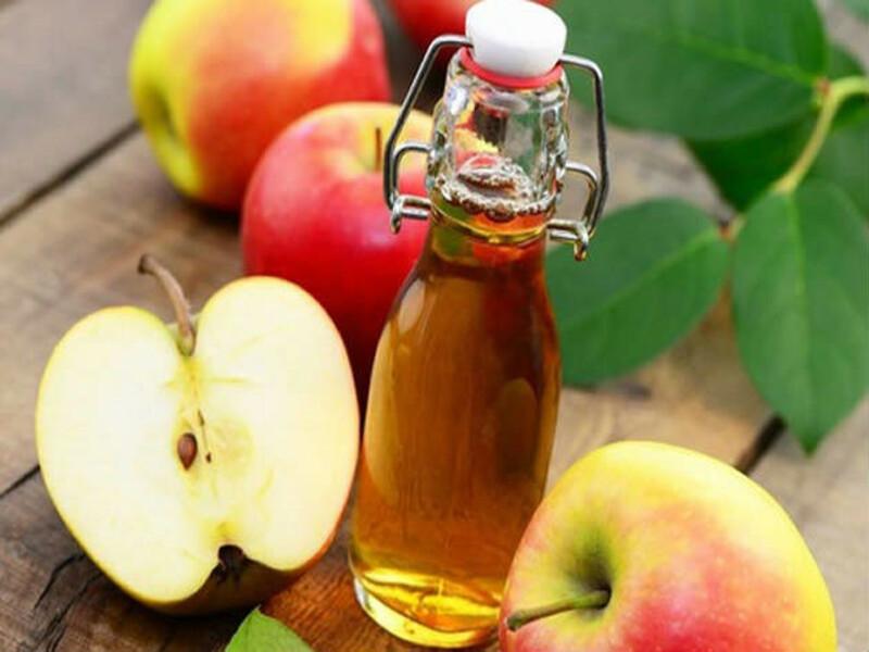 Sử dụng giấm táo là một trong những mẹo chữa hắc lào hay mang lại hiệu quả tức thì