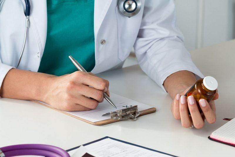 Nên dùng thuốc đặt viêm phần phụ theo sự kê đơn của bác sĩ