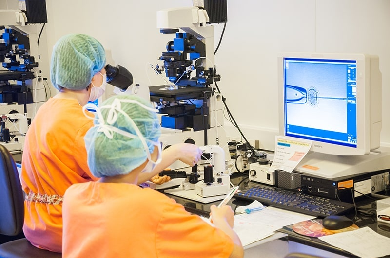 So với các phương pháp thụ tinh nhân tạo khác ICSI ít rủi ro hơn