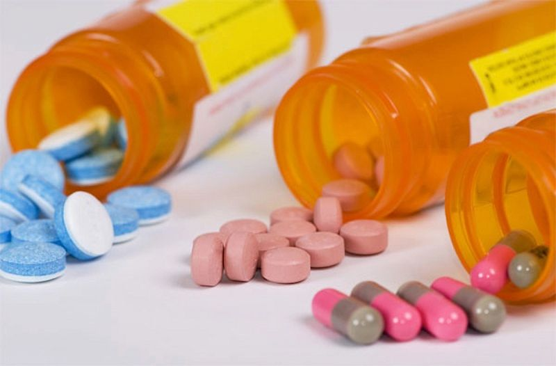 Thông báo với bác sĩ về các thuốc bạn đang dùng để có sự điều chỉnh phù hợp