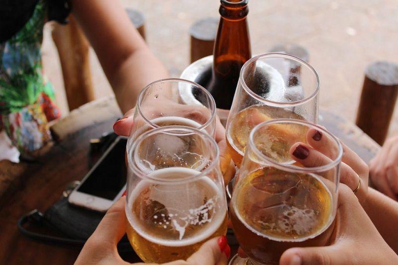 Thuốc Dabigatran có tương tác với rượu, bia không?
