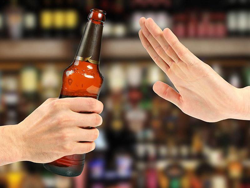 Trước khi đi siêu âm, mẹ không nên uống rượu bia, hút thuốc lá