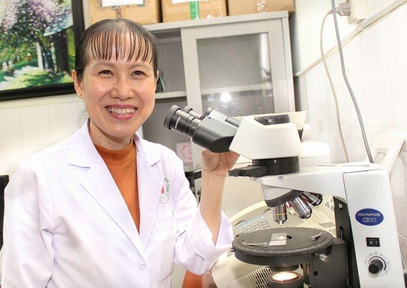 Bác sĩ Hồ Phạm Thục Lan là người có nhiều đóng góp về nghiên cứu khoa học