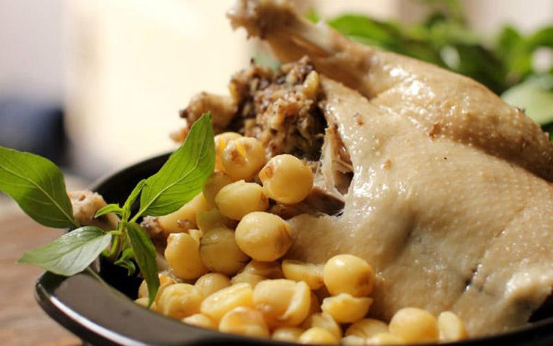 Thịt vịt hầm hạt sen thơm ngon cho phụ nữ mang thai
