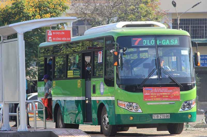 Bạn có thể đi xe buýt để đến bệnh viện thăm khám