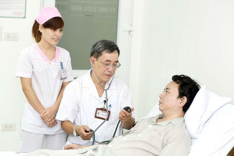Cần báo ngay cho bác sĩ khi dùng thuốc quá/lỡ liều và gặp phải các tác dụng phụ