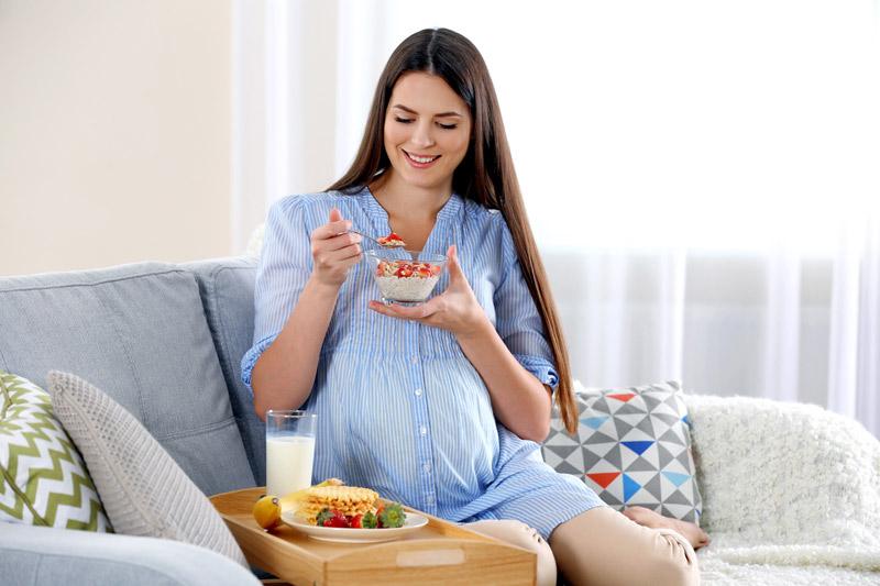 Chế độ dinh dưỡng rất quan trọng với thai phụ 7 tháng