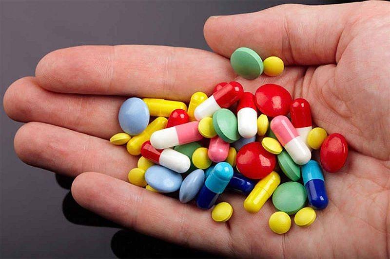 Cho bác sĩ biết về các loại thuốc bạn đang sử dụng để hạn chế sự tương tác thuốc