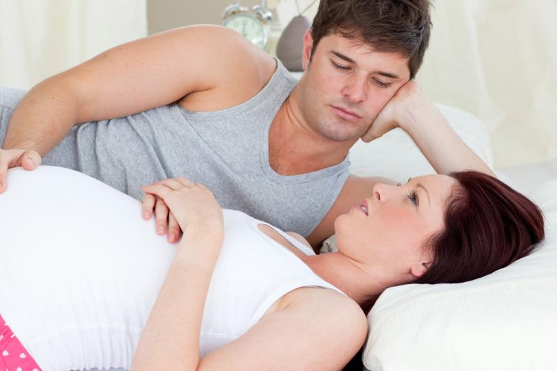 Có thai 6 tháng quan hệ được không là thắc mắc của nhiều mẹ