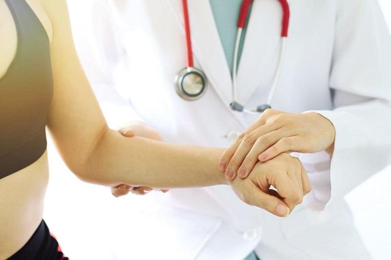 Điều trị gai xương cổ tay