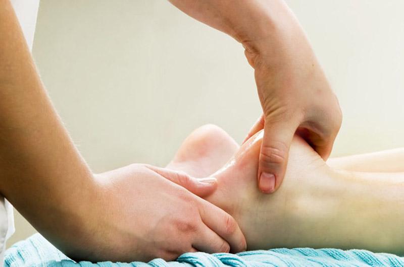 Gai xương gót còn có tên gọi là viêm cân gan bàn chân