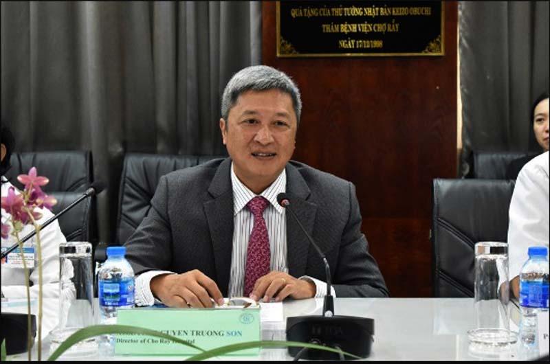 Giám đốc bệnh viện Nguyễn Trường Sơn