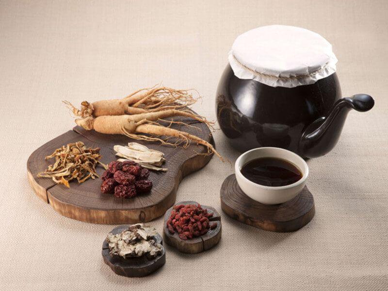 Khi dùng thuốc Đông y chữa bệnh mề đay mãn tính người bệnh cần kiên trì;