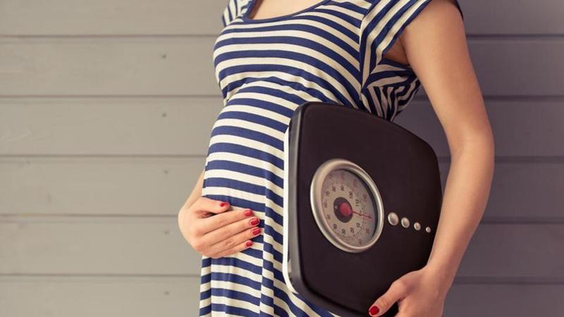 Mẹ bầu tăng khoảng 1,6 - 2,2 kg trong tháng thứ 6