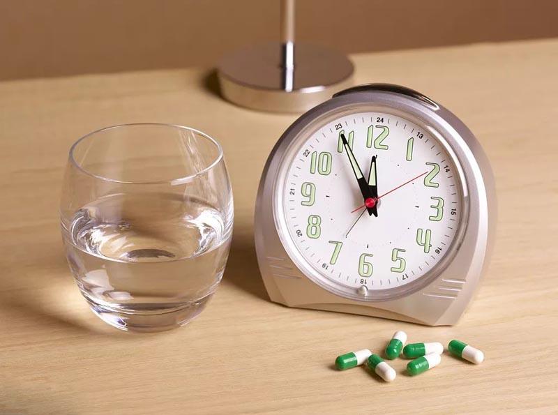 Người bệnh nên uống thuốc vào một thời điểm nhất định trong ngày