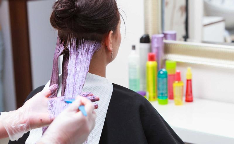 Nhuộm tóc khi mang thai là điều không nên